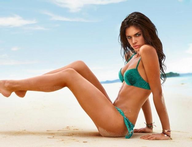 Costumi Da Bagno Bikini 2014 : I costumi da bagno calzedonia estate 2014: colori brillanti e bikini