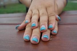 unghie in acrilico o gel