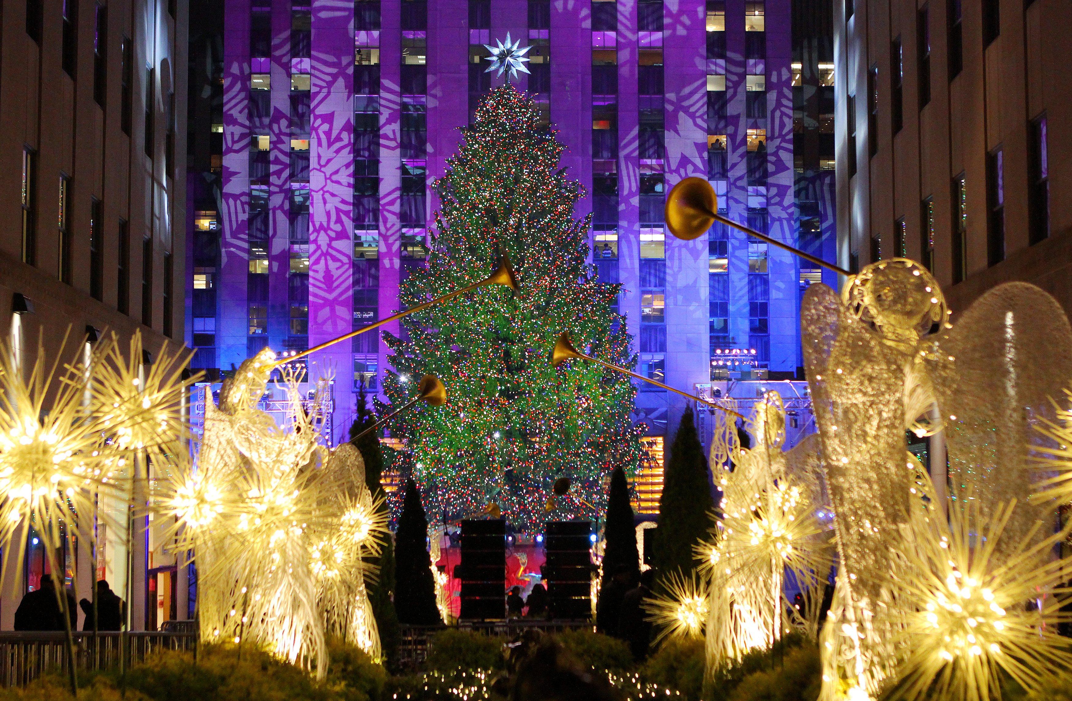 Frasi Natale Originali.Auguri Di Natale 2018 Le Frasi Piu Originali E Simpatiche Per Amici